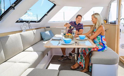 seawind-1260-seating